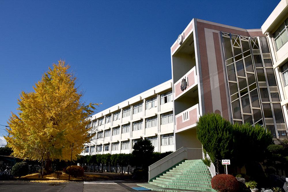 県立日高高等学校