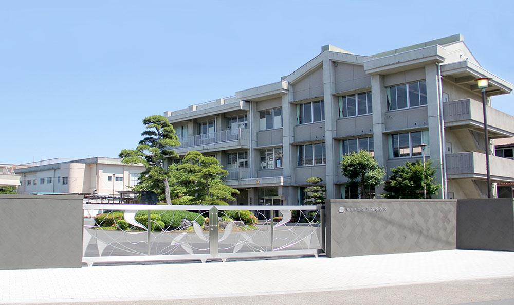 県立坂戸高等学校